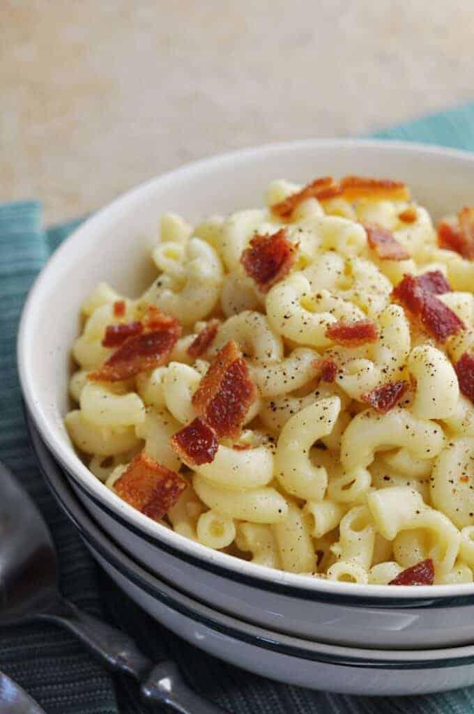 Macaroni carbonara up close in bowl