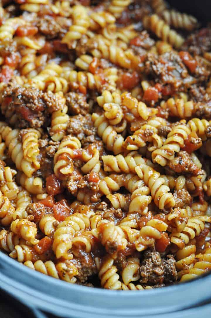 Rotini pasta with ground beef in slow cooker