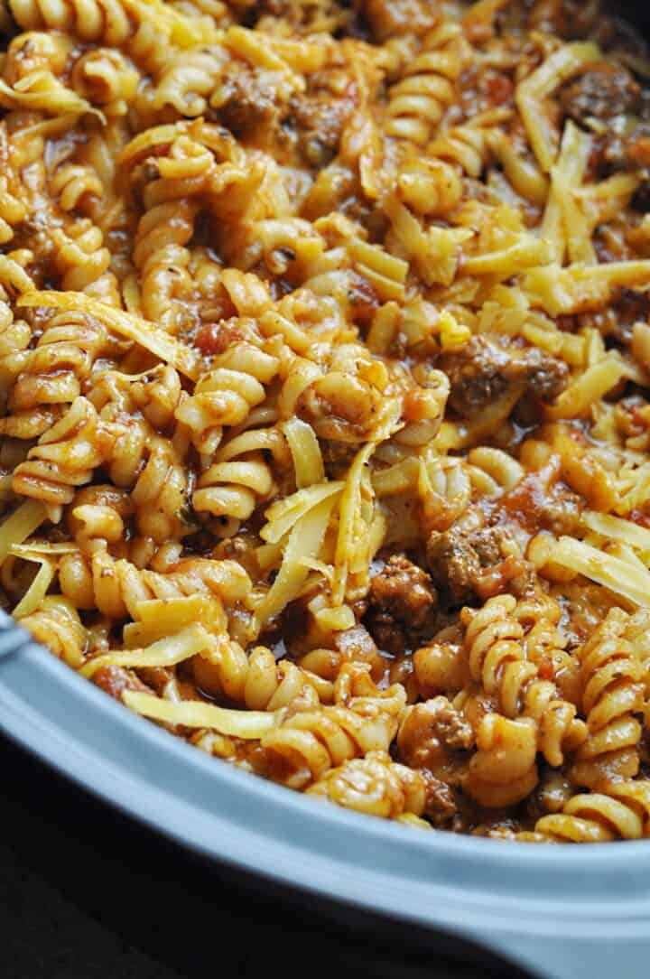 Noodles with beef and cheese in slow cooker